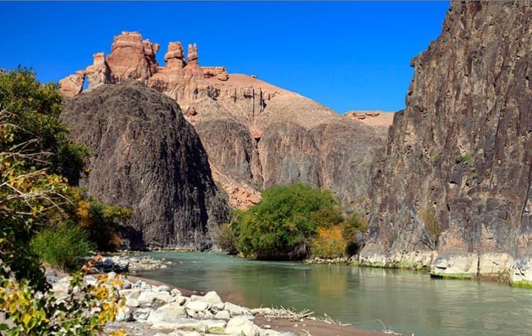 Тур на озеро Кольсай, Каинды и Чарынский каньон